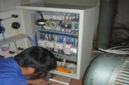 Lắp đặt tủ điện cho hệ thống bơm hút chân không